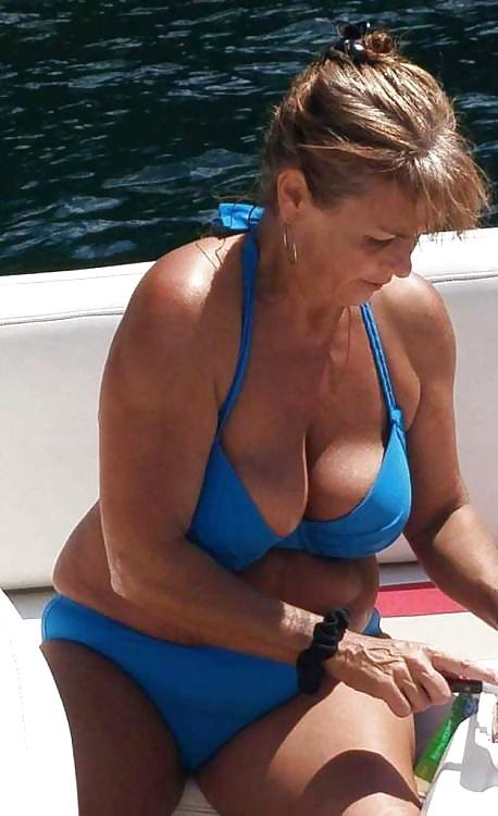 Omas Grosse Brüste