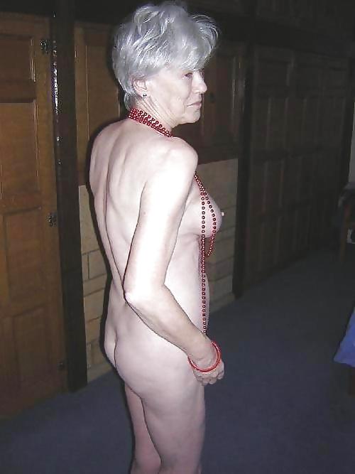 Nackte großmutter