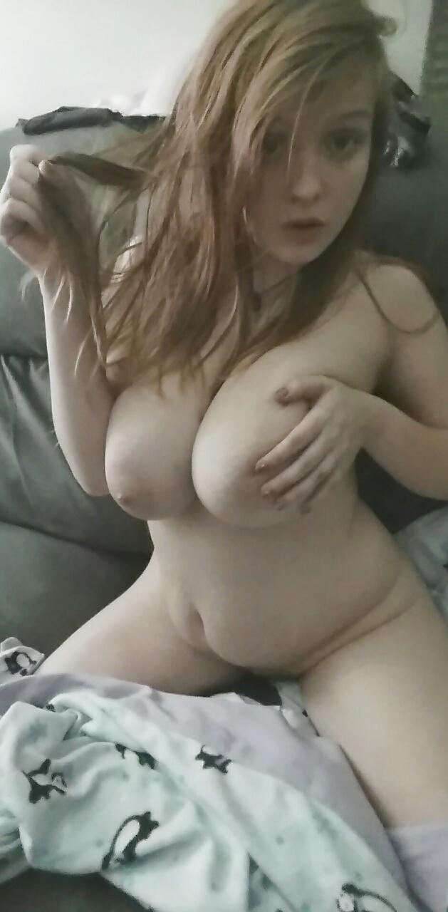 Junge Große Titten